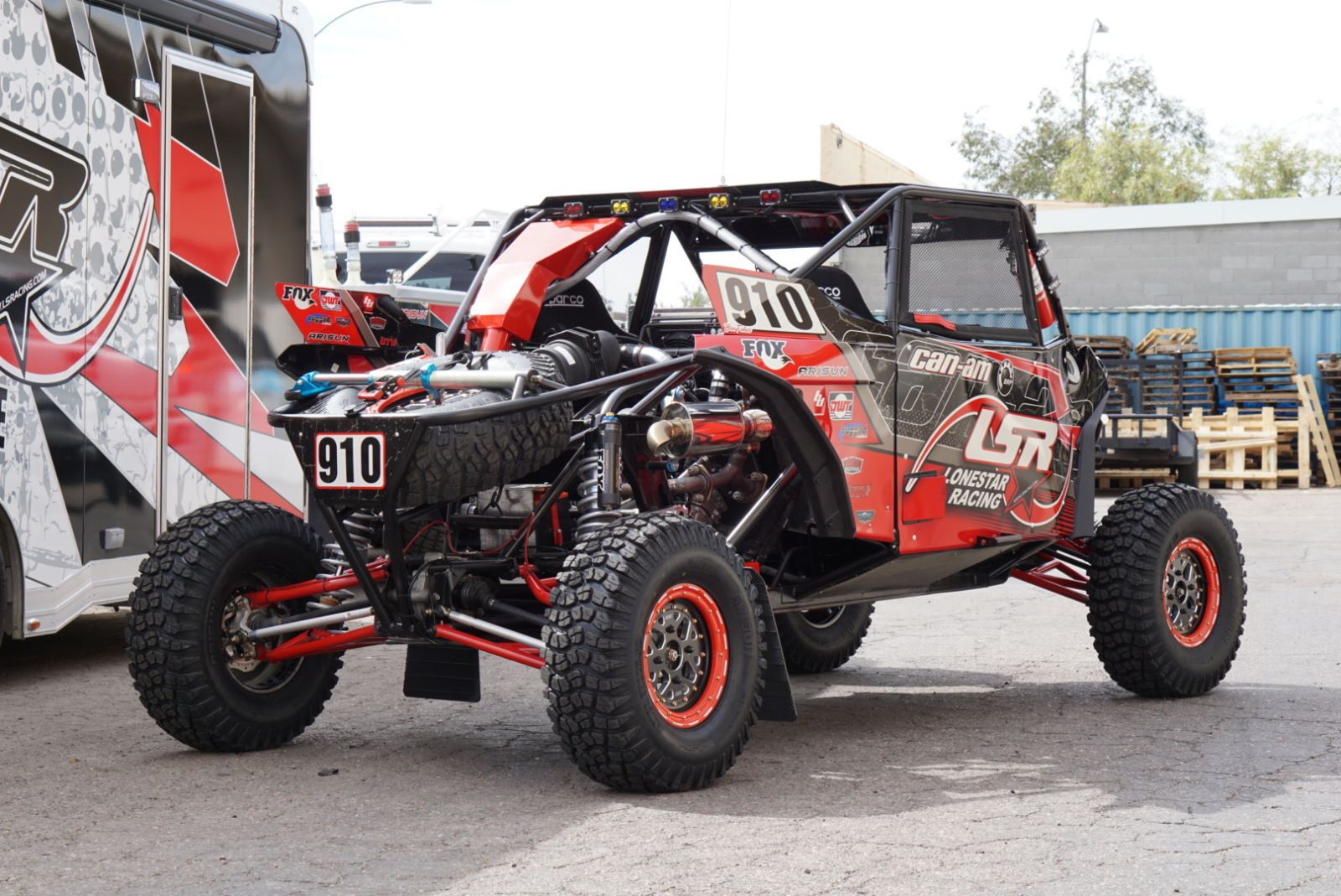 Can-Am Collaborates With Beard Seats, Lonestar Racing | Dirt