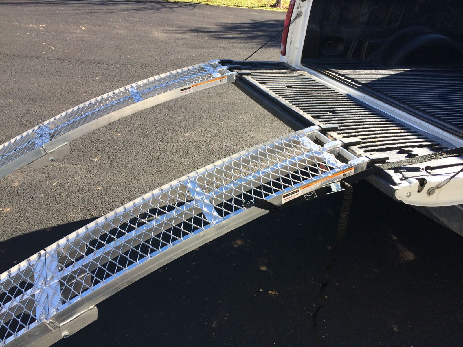 Aluminum Folding Ramps >> Atv Loading Ramp Review Comparing Folding Ramps And 2 Piece Ramps